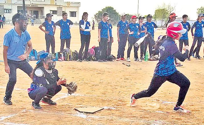 Telangana, AP Lead in Softball Championship - Sakshi