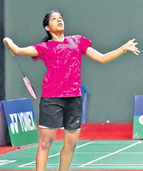 Pullela Gayatri Gopichand loses in junior badminton semis - Sakshi