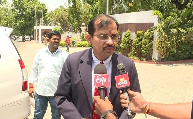 AP CEO Gopala Krishna Dwivedi Team Meets Governor Narasimhan - Sakshi