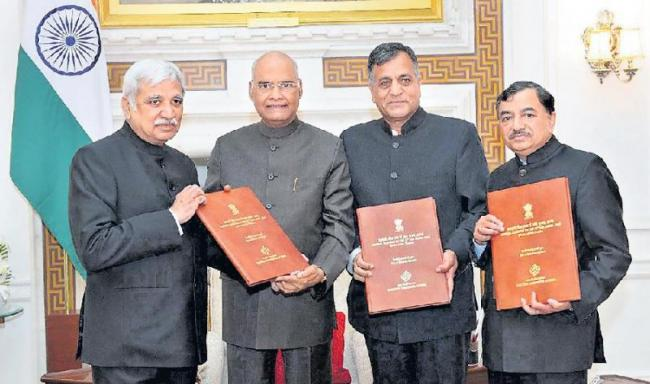 EC submits list of newly-elected MPs to President - Sakshi