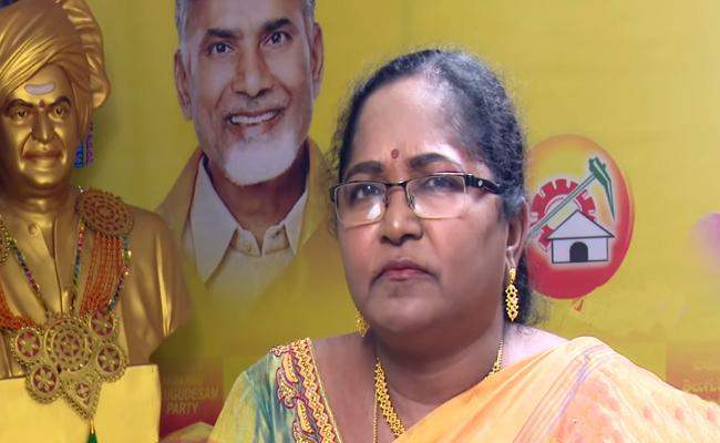 Uppuleti Kalpana Bite Dust As YSRCP Sweeps - Sakshi