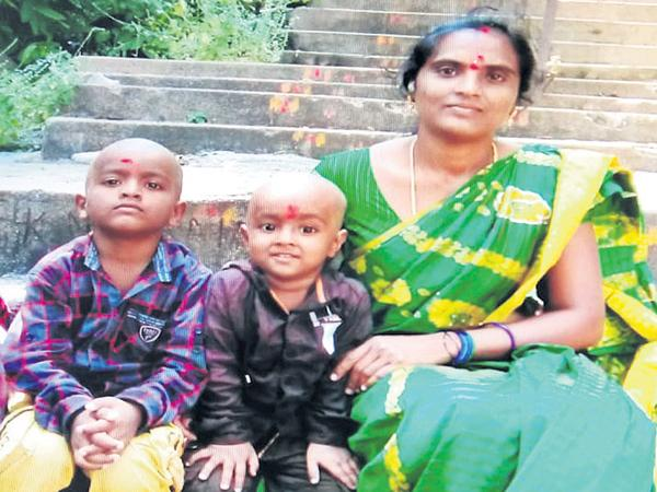 Mother Kills Her Two Childrens In Siddipet - Sakshi