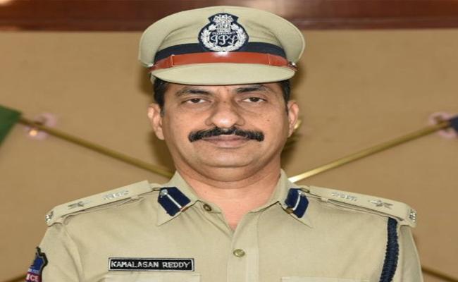 Karimnagar Police Commissioner Kamal Hassan Reddy Special Interview - Sakshi