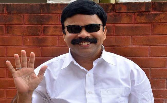 Cinema Fans Comments On Super Star Srinivasan - Sakshi