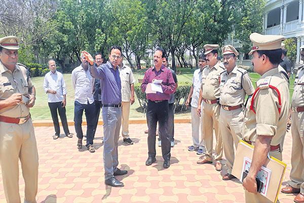 Security arrangements at YS Jagan house in Pulivendula - Sakshi