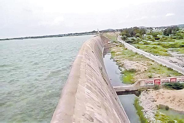 Godavari water for Palamuru and Dindi - Sakshi