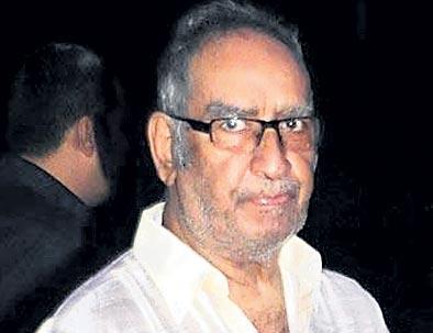 Ajay Devgn's father Veeru Devgan dies in Mumbai - Sakshi