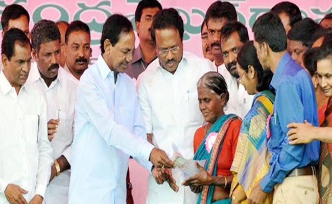 Telangana Government Orders To Give Increased Pensions - Sakshi