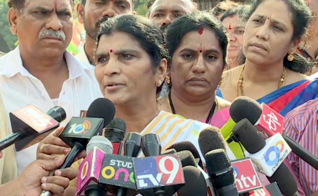 Lakshmi Parvathi Fires On TDP - Sakshi