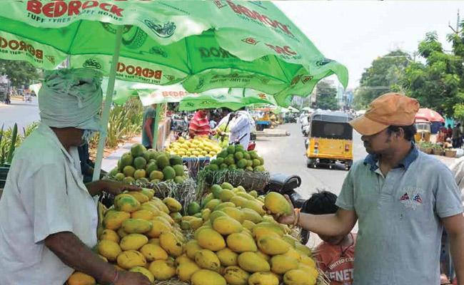 Mangoes Prices Skyrocket In Hyderabad markets - Sakshi