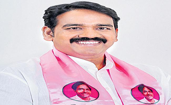 Naveen Rao As TRS MLC Candidate - Sakshi