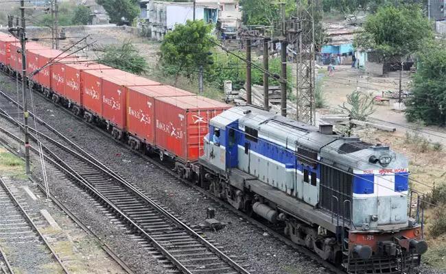 Goods Train Derailed At Vizianagaram Boddavara - Sakshi