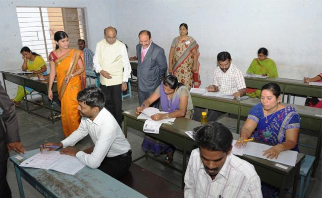 Tamil Nadu district judge exam: No lawyer clears  - Sakshi