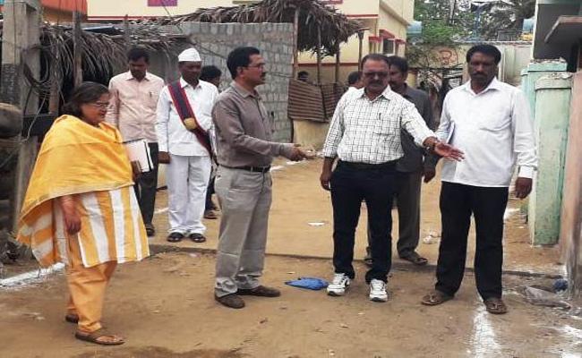 RO Visit Re Polling Station in Nellore Kovuru Constituency - Sakshi