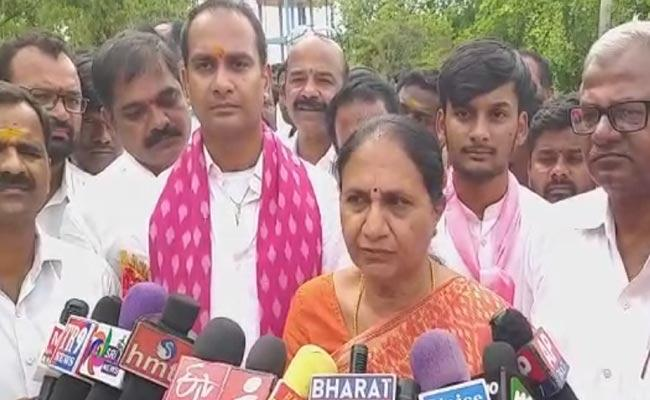 Uma Madhava Reddy Mistakenly Speaks About TDP While Campaigning - Sakshi