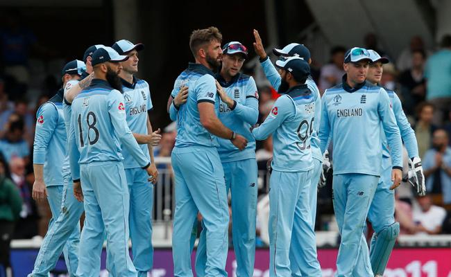 World Cup 2019 England Beat South Africa By 104 Runs - Sakshi