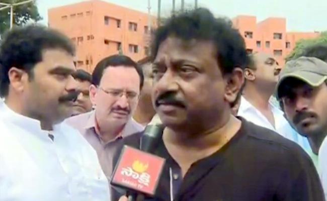 Ram Gopal Varma Attend YS Jagan Swearing-in Ceremony - Sakshi