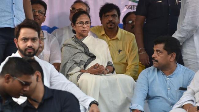 Seven Detained For Chanting Jai Shri Ram Slogans - Sakshi