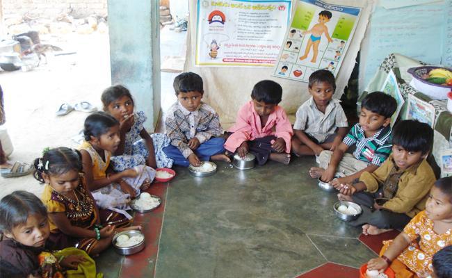 Anganwadi Bills Pending in PSR Nellroe - Sakshi