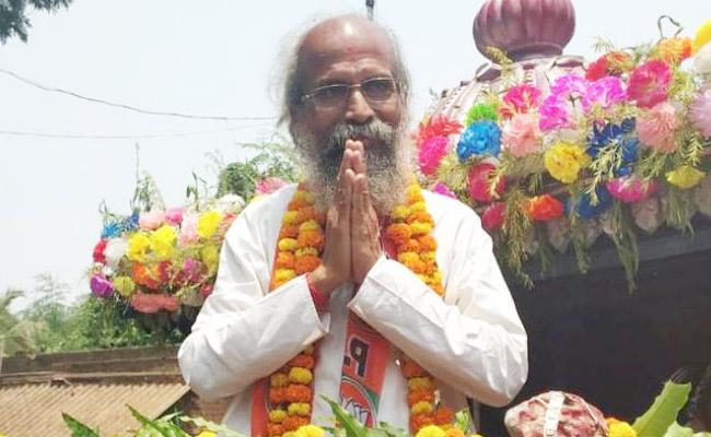 Union Minister Pratap Sarangi Fought As Independent After Lost Election Ticket - Sakshi