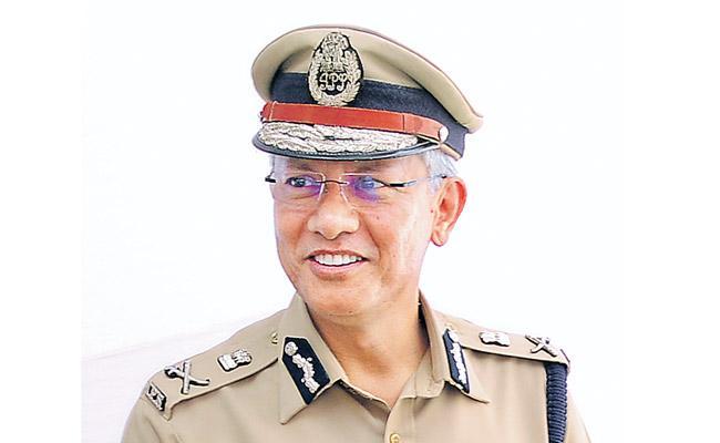 RP Thakur shunted And Gautam Sawang is new DGP of Andhra Pradesh - Sakshi