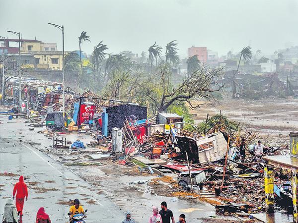 Cyclone Fani Attack On Puri - Sakshi