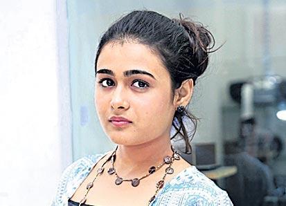 Shalini Pandey to star alongside Raj Tarun in Iddari Lokam Okate - Sakshi