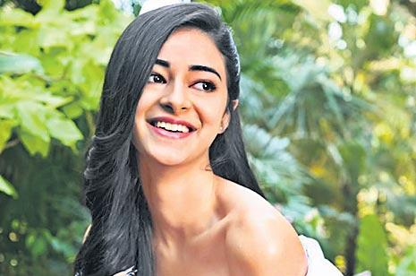 Ananya Pandey in a car accident on the sets of  Student of the Year 2  - Sakshi