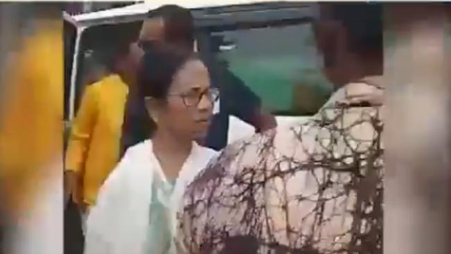 Mamata Warns BJP Supporters Chanting Jai Shree Ram At Her Convoy - Sakshi