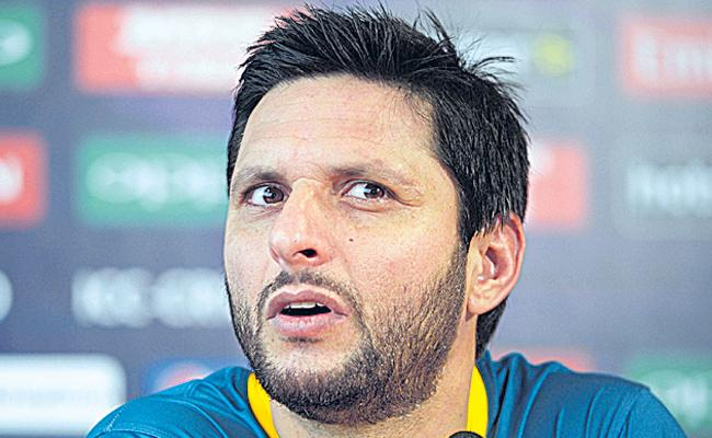 Afridi casts doubt over age in new autobiography - Sakshi