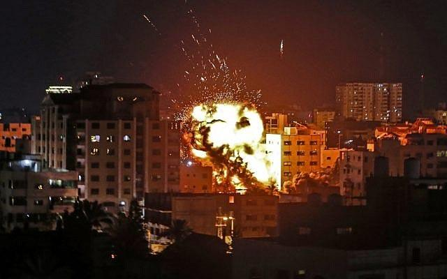 Palestinian mother, baby killed in Israeli raids on Gaza - Sakshi