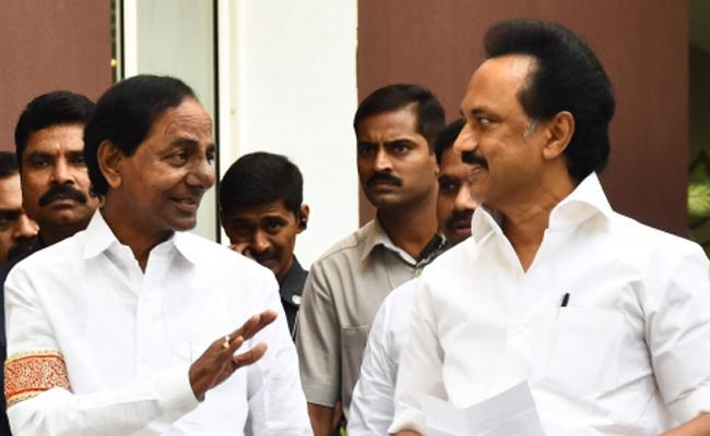 KCR Meets Stalin Over Federal Front - Sakshi