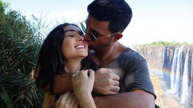 Amy Jackson Gets Engaged To Boyfriend George Panayiotou - Sakshi