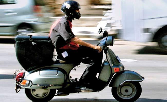 Mumbai police to take serious on food delivery boys - Sakshi