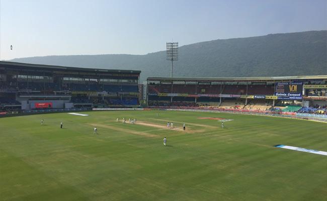 IPL Tickets Online Booking In Visakhapatnam - Sakshi