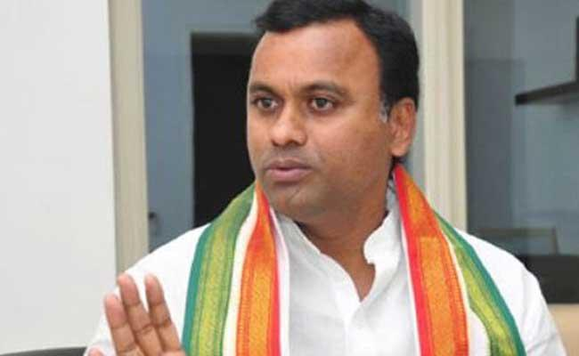 Congress MLA Komatireddy Rajagopal Reddy Slams KCR In Yadadri Bhuvanagiri District - Sakshi