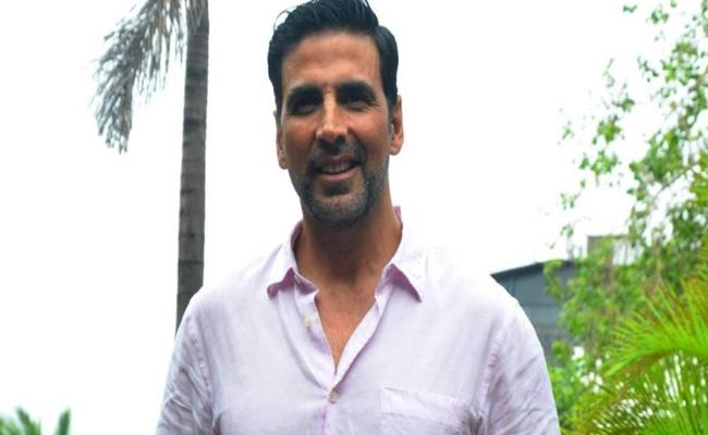 Akshay Kumar Donates Rs 1 Crore To CM Relief Fund For Odisha - Sakshi
