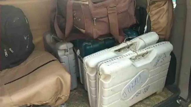 Six EVMs VVPAT Seized From Bihar Hotel - Sakshi