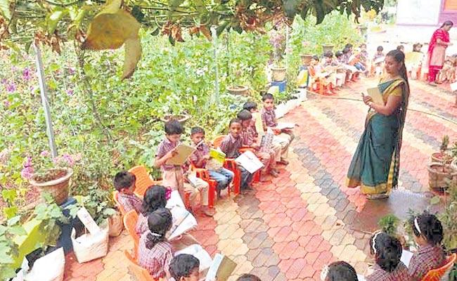 247 Students Take Admissions At Kerala Govt School In One Hour - Sakshi