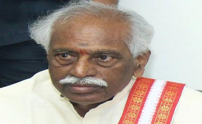 Bandaru Dattatreya Met Governor ESL Narasimhan Over Hajipur Serial Murders - Sakshi