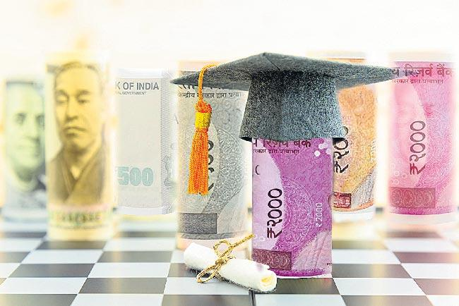 Students who are Pursuing Higher Education have got a Fee Punch - Sakshi