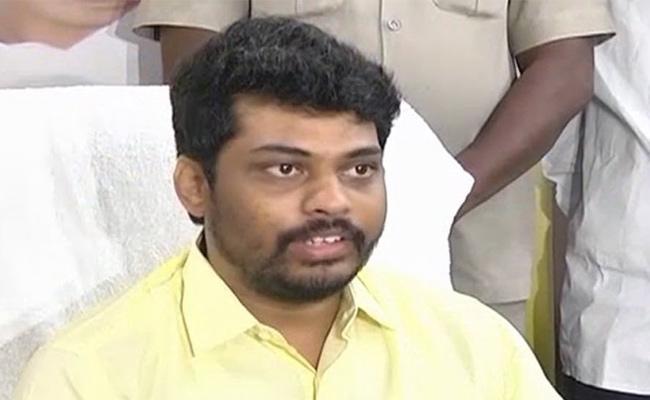 Kidari sravan kumar tenure to end on May 10 as Minister - Sakshi