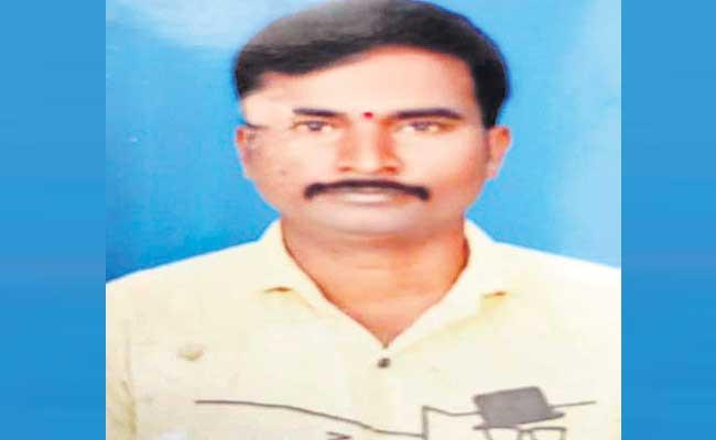 Medak Former Dead Body Reached Home From Malaysia After 40 Days - Sakshi