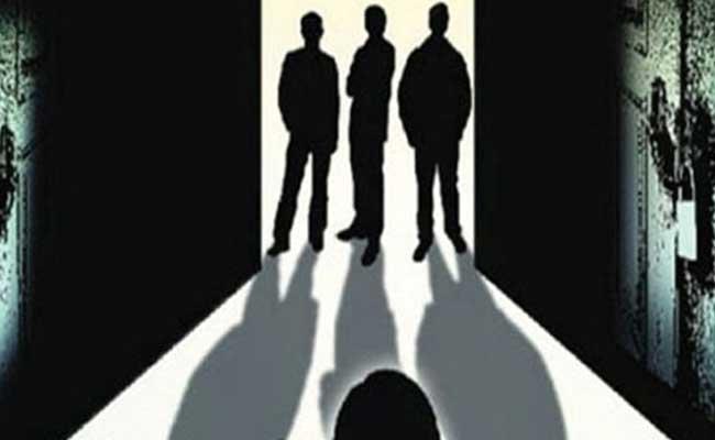 Minor Girl Molestation By Three Men For 51 Days In Noida - Sakshi