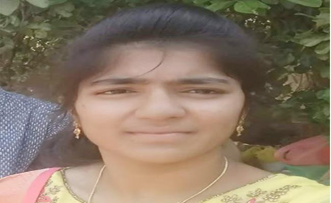 Intermediate Student Suicide In Khammam - Sakshi