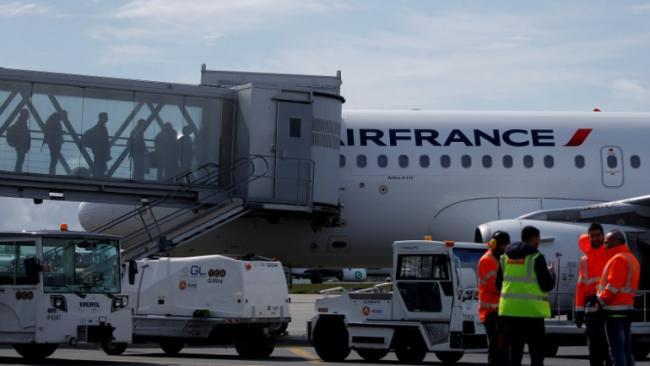 Paris To Mumbai Flight Makes Emergency Landing In Iran - Sakshi