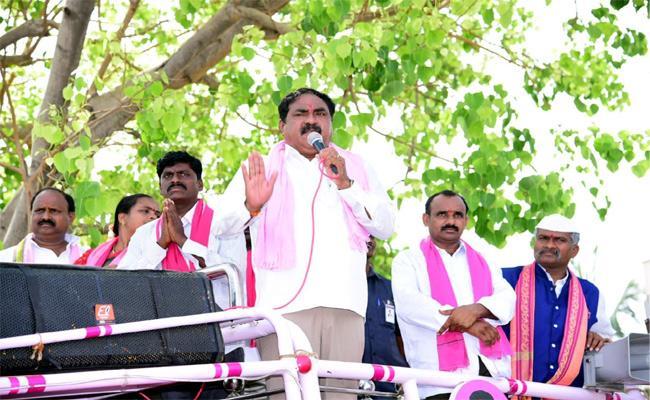 Telangana ZPTC And MPTC Elections Errabelli Dayakar Rao Campaign - Sakshi