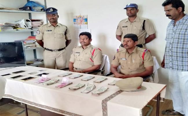 Cricket Betting Gang Arrest in Anantapur - Sakshi