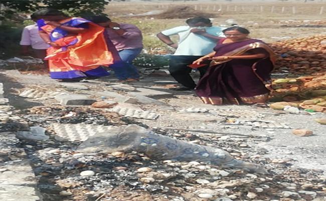 Burnt Eggs Supply to Anganwadi Centers in Guntur - Sakshi