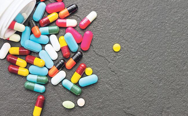 Medicine Shortage In Government Hospital - Sakshi